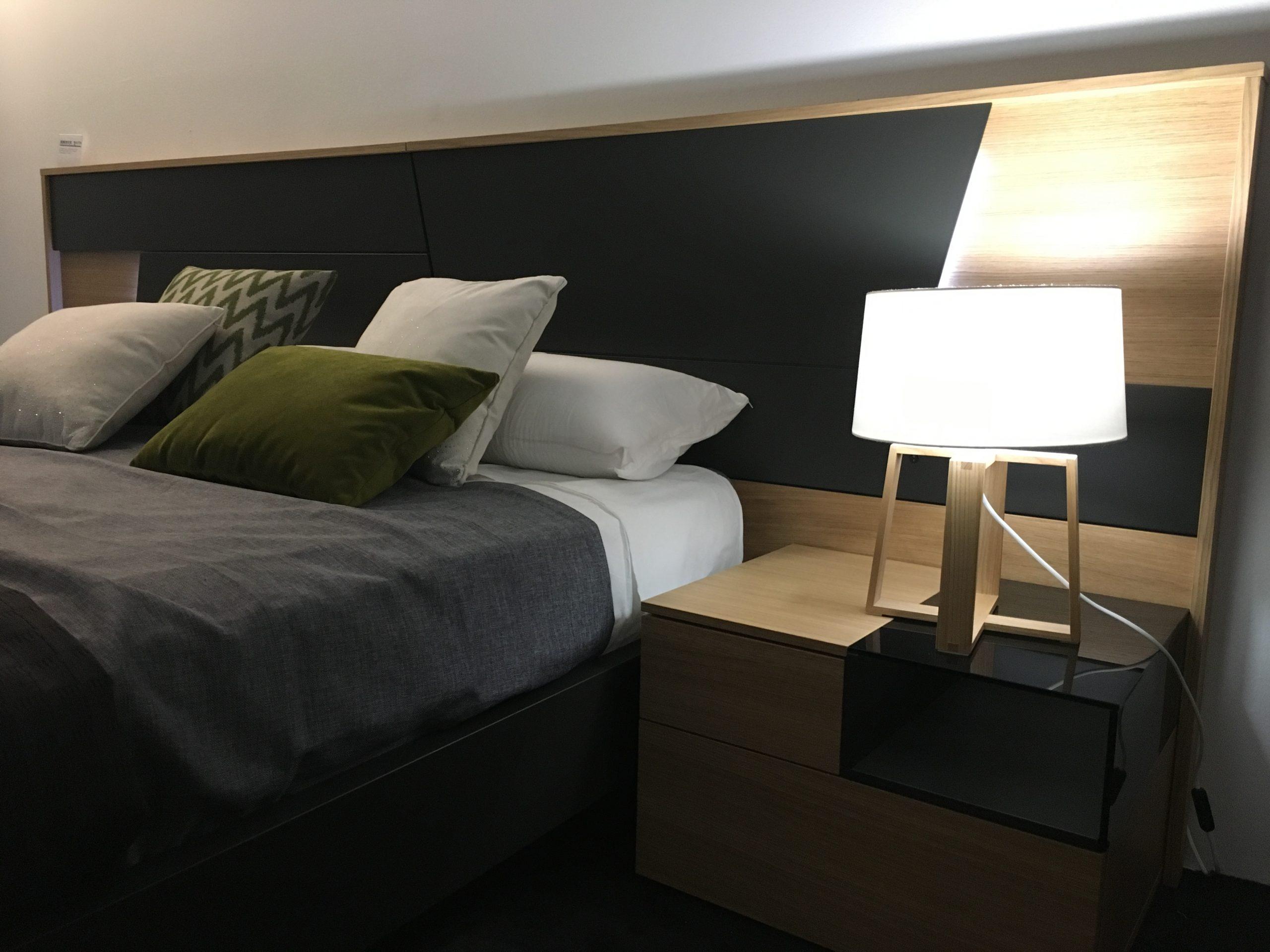 dormitorio_cama_lampara_mesita_de_noche_dormitorio_muebles_mueblesamaya